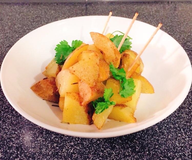 ローズマリーオリーブオイルで揚げるおつまみポテト
