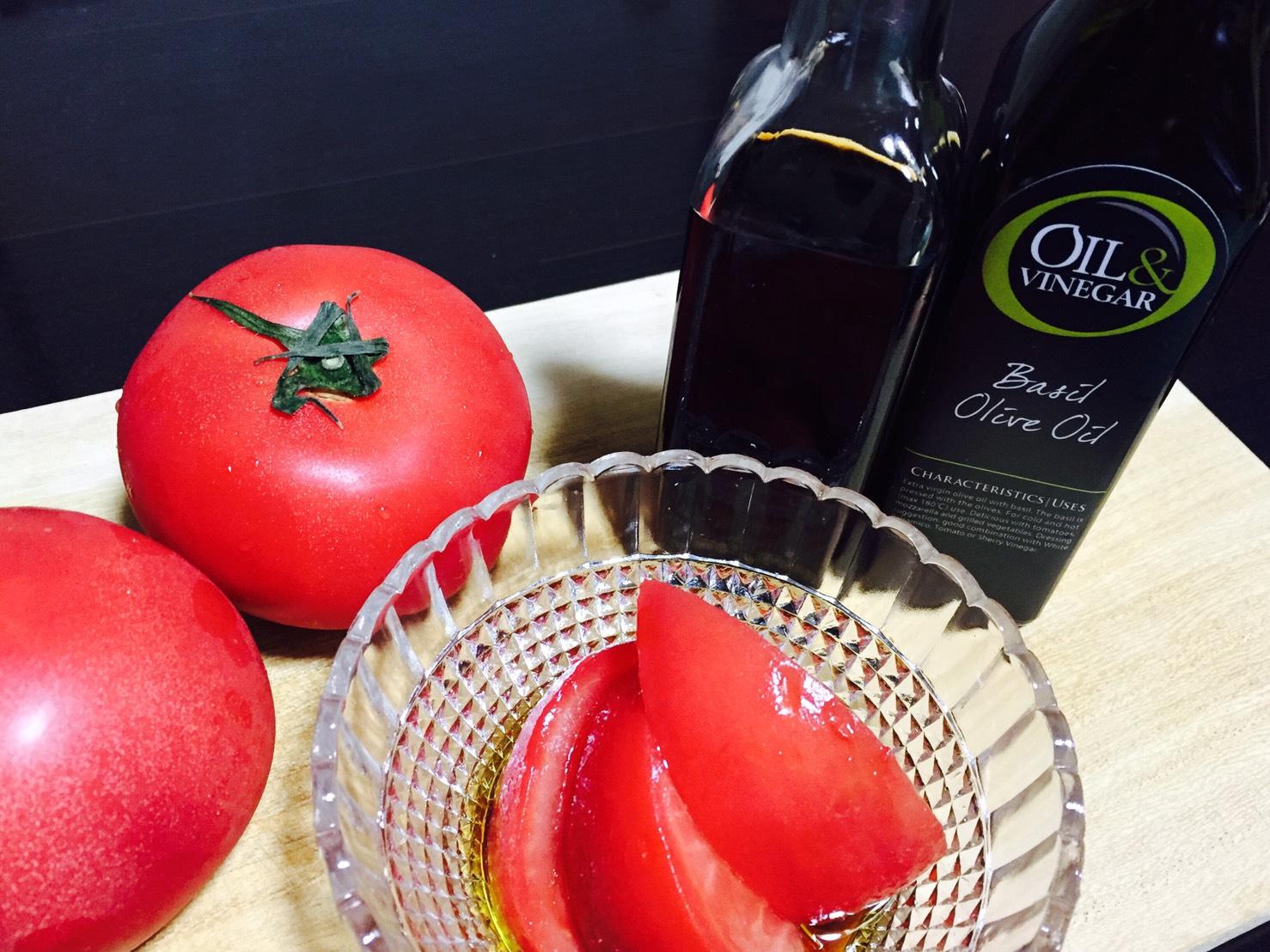 暑い夏に!冷トマトサラダ