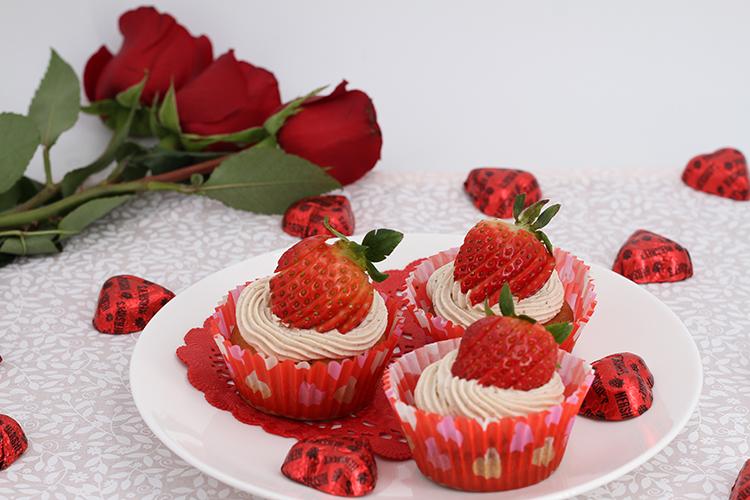 チョコレートビネガーのバレンタインカップケーキ