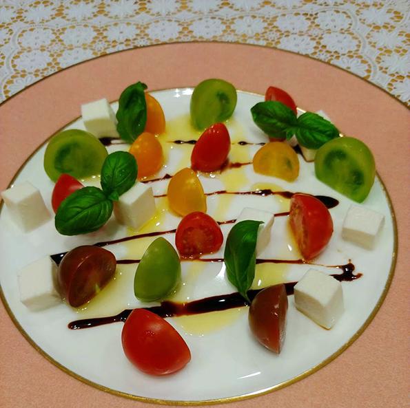 カラフルミニトマトのカプレーゼ