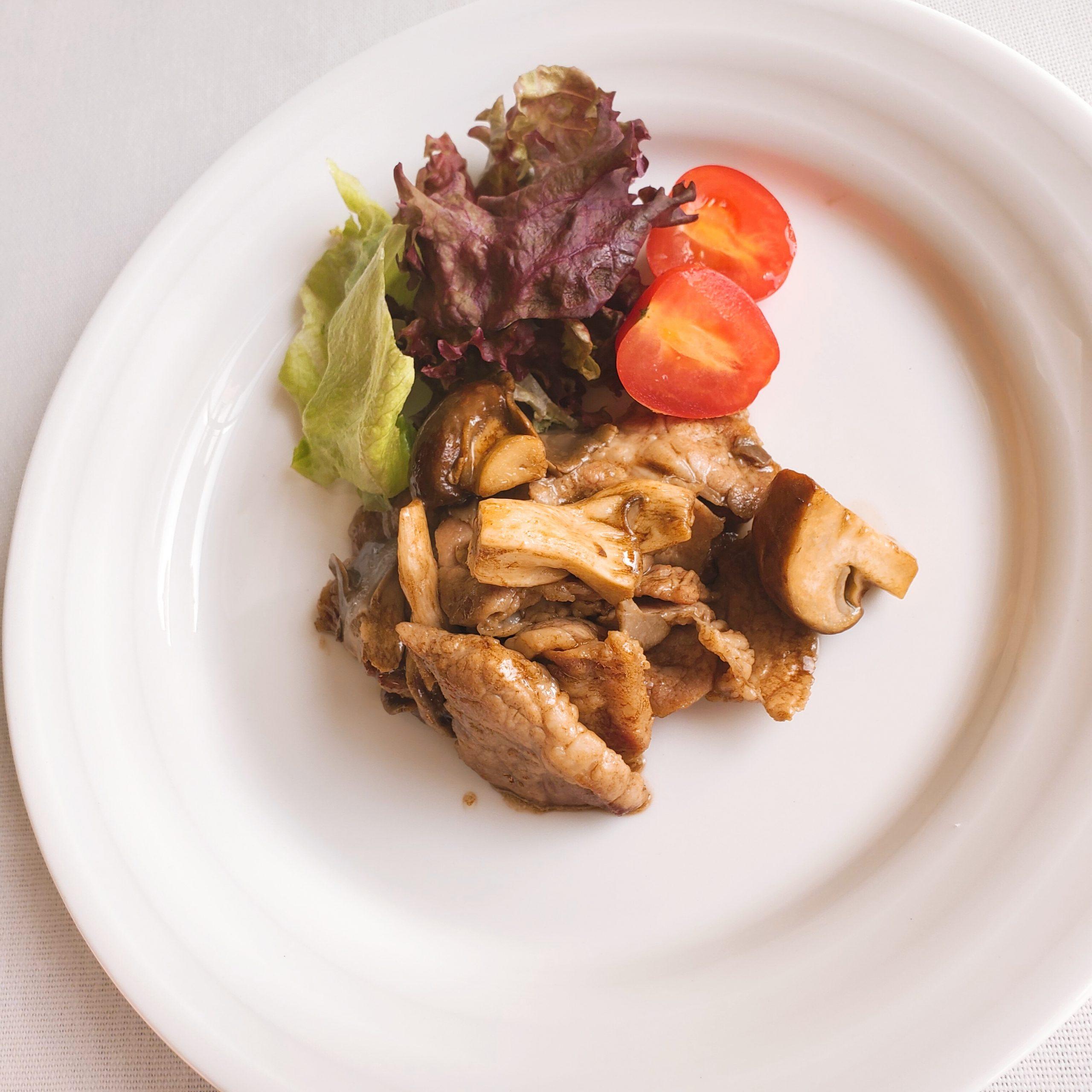 牛肉とキノコのバルサミコソテー